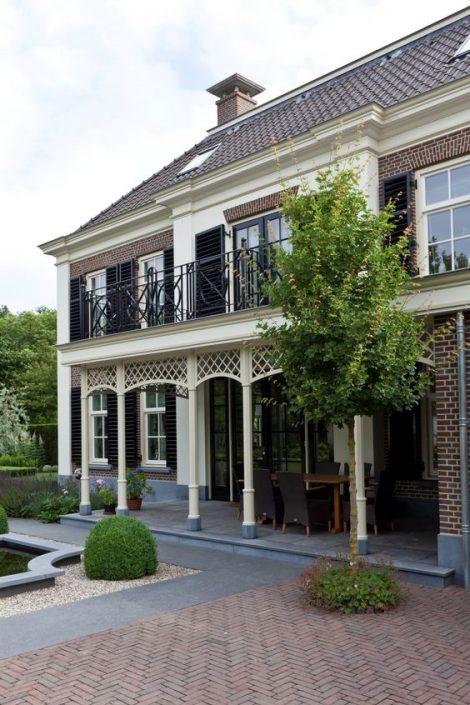 Detaillering luxe villa in classicistische stijl