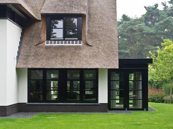Villa cottage stijl detaillering erker Building Design Architectuur